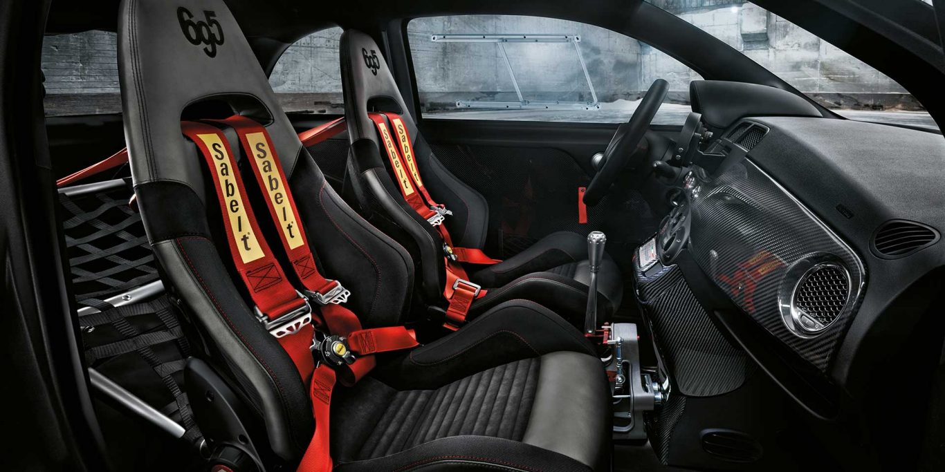 abarth 695 biposto 03 lunatici. Black Bedroom Furniture Sets. Home Design Ideas
